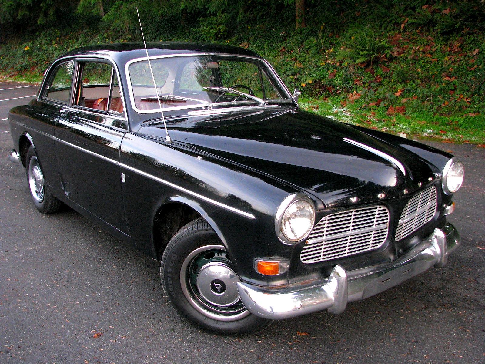 Black beauty: '65 Volvo 122S | Mint2Me